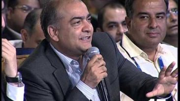 Startups Raising Funds Live at Young Turks TiE The Knot 2 | CNBC TV18